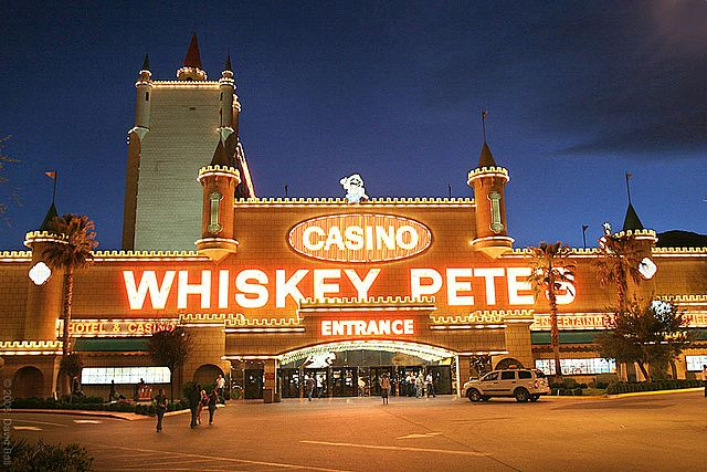 Whiskey-petes-hotel